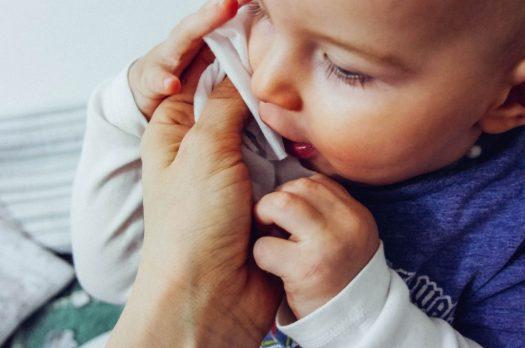 WaterWipes – nur Wasser & einen Tropfen Fruchtextrakt für Babys zarte Haut!