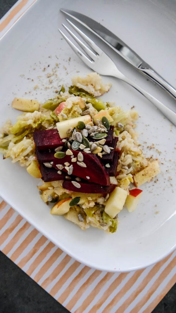 Herbstrezept Ofen-Risotto-mit-Wirsing-Apfel-rote-Beete-35