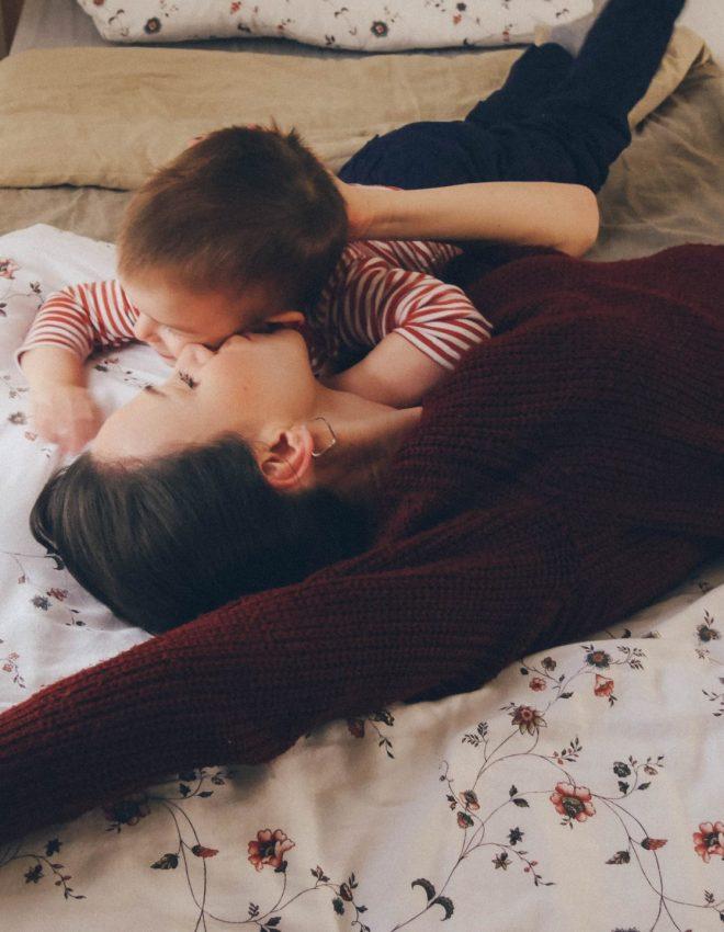 Familienbett von ROOM IN ABOX + Wissenswertes über Baby/- und Kleinkindschlaf